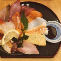 岡山市東区の行列店!海鮮丼 魚しんのランチは並んでも食べる価値アリ!!