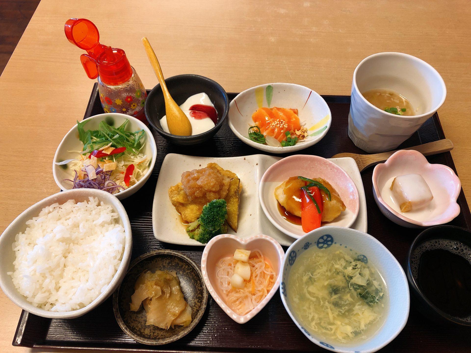 大多羅駅から車で5分 中国食彩厨房 龍の髭は、杏仁豆腐まで付いた品数多い週替わり中華ランチが人気!
