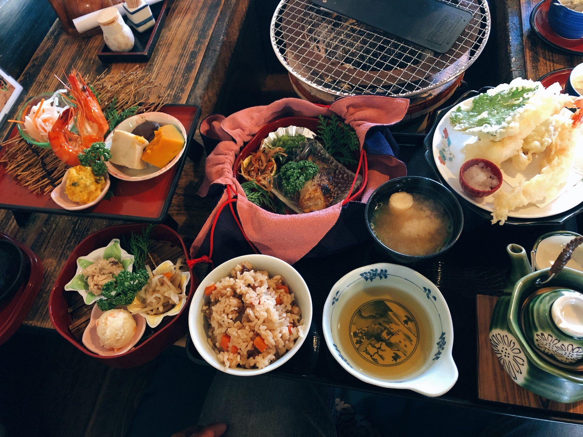 岡電清輝橋駅近く いろり茶屋 萬久(まんきゅう)は和定食が人気で天ぷらサクサク!趣ある古民家風の店の造りも要チェック!