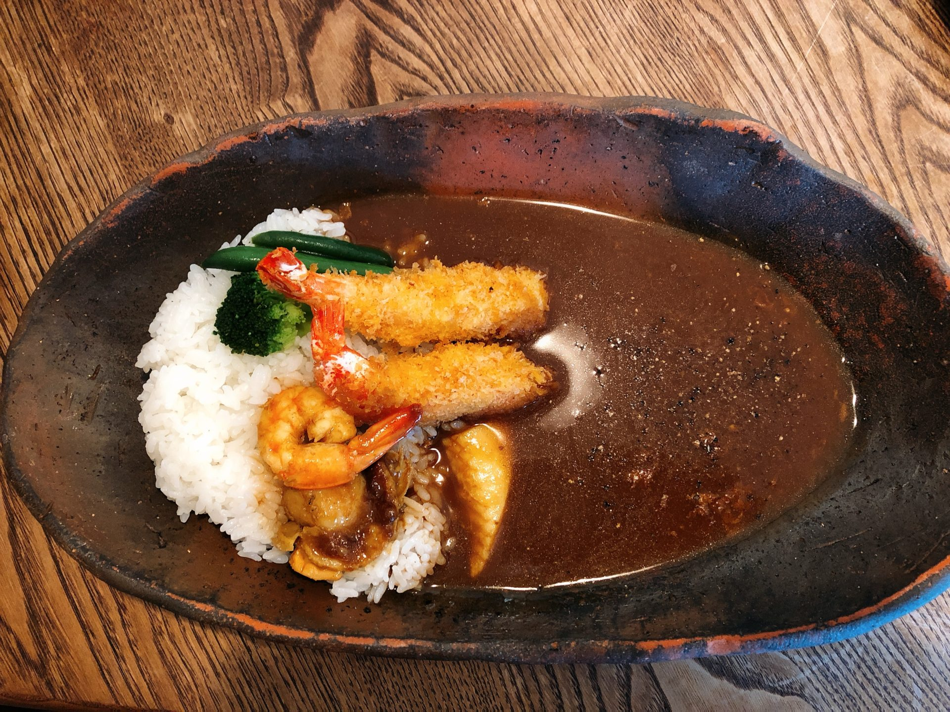 西大寺駅から車で2分 カレー&カフェ ギギ(Curry&Café Ghi Ghi )で季節を感じながら、スパイスの効いたカレーを愉しむ