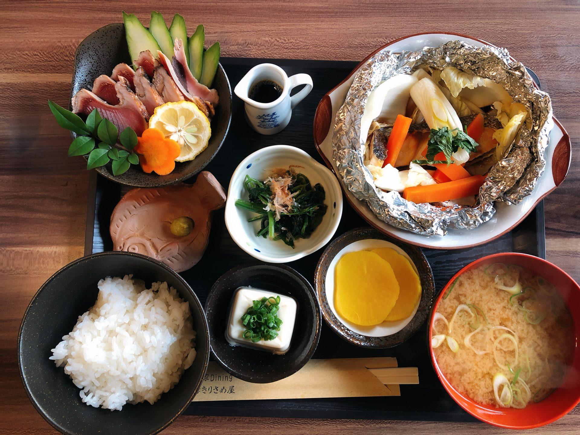 岡山市東区イズミ平島店近く 古民家ダイニング薩摩きりさめ屋は、魚料理中心の日替わり限定ランチも接客も最高!