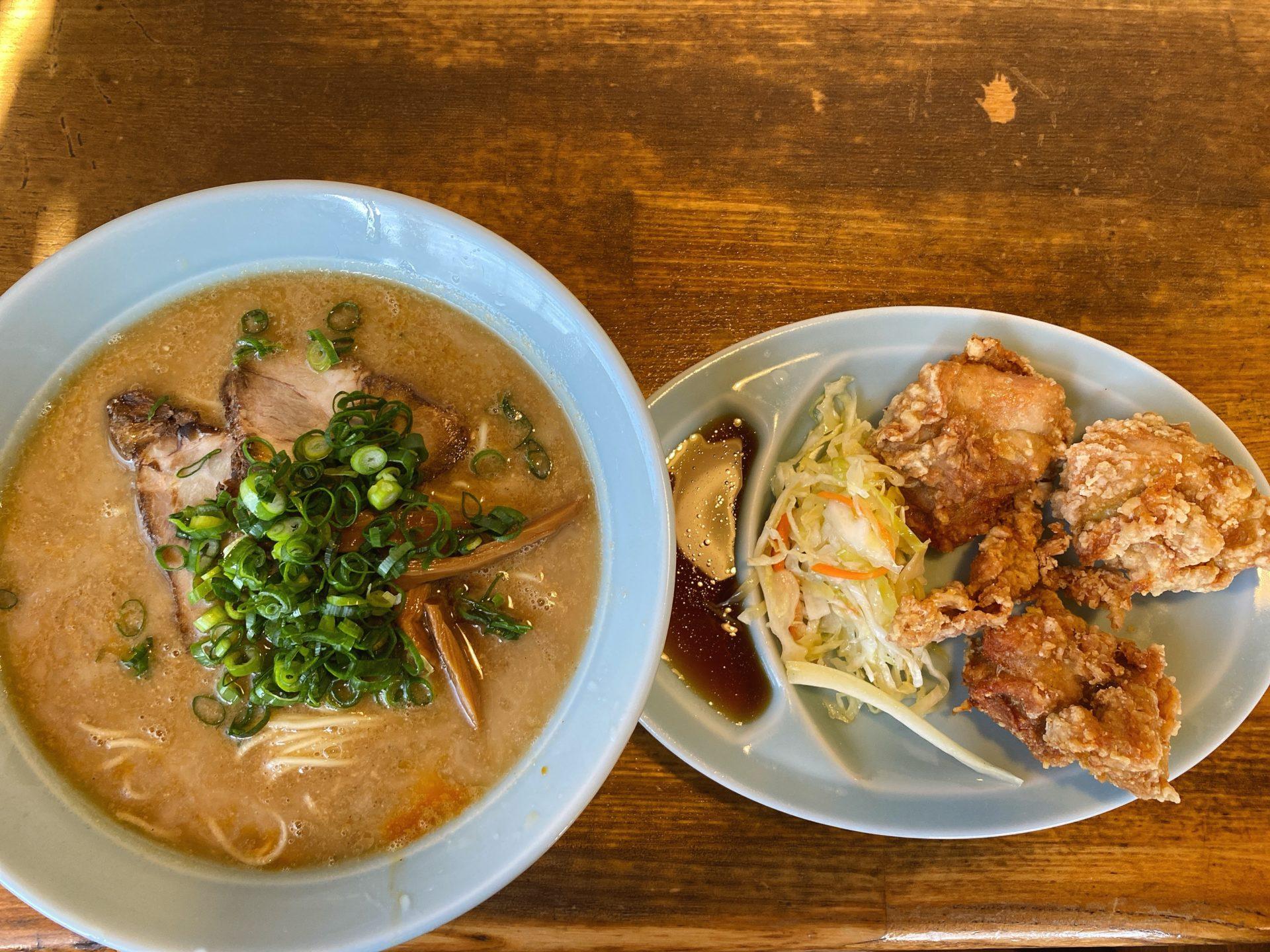 岡山市中区 支那そば 餐休(さんきゅう) 江崎総本店で頂いた、ごま味スープの名物そばとセットの唐揚げはおススメ!