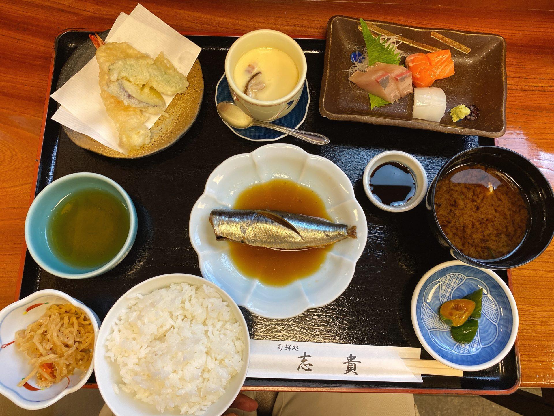 高島駅南口より徒歩5分 和食割烹の店、旬鮮処 志貴で志貴定食に舌鼓!刺身に天ぷら、煮魚等どれも美味しくオススメ!