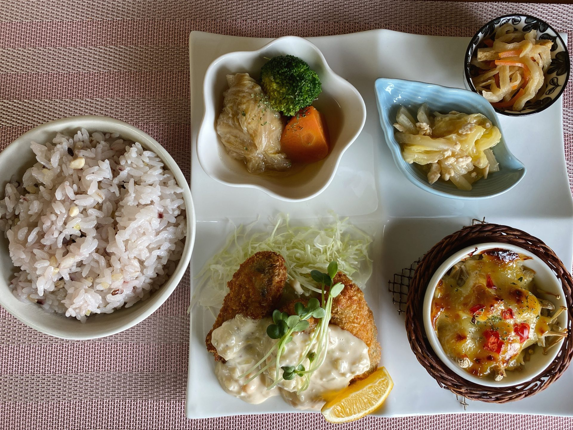 瀬戸内市牛窓 forza cafe(フォルツァカフェ)で日本のエーゲ海を眺めながら 優雅にランチ!牛窓産のカキフライが美味い!