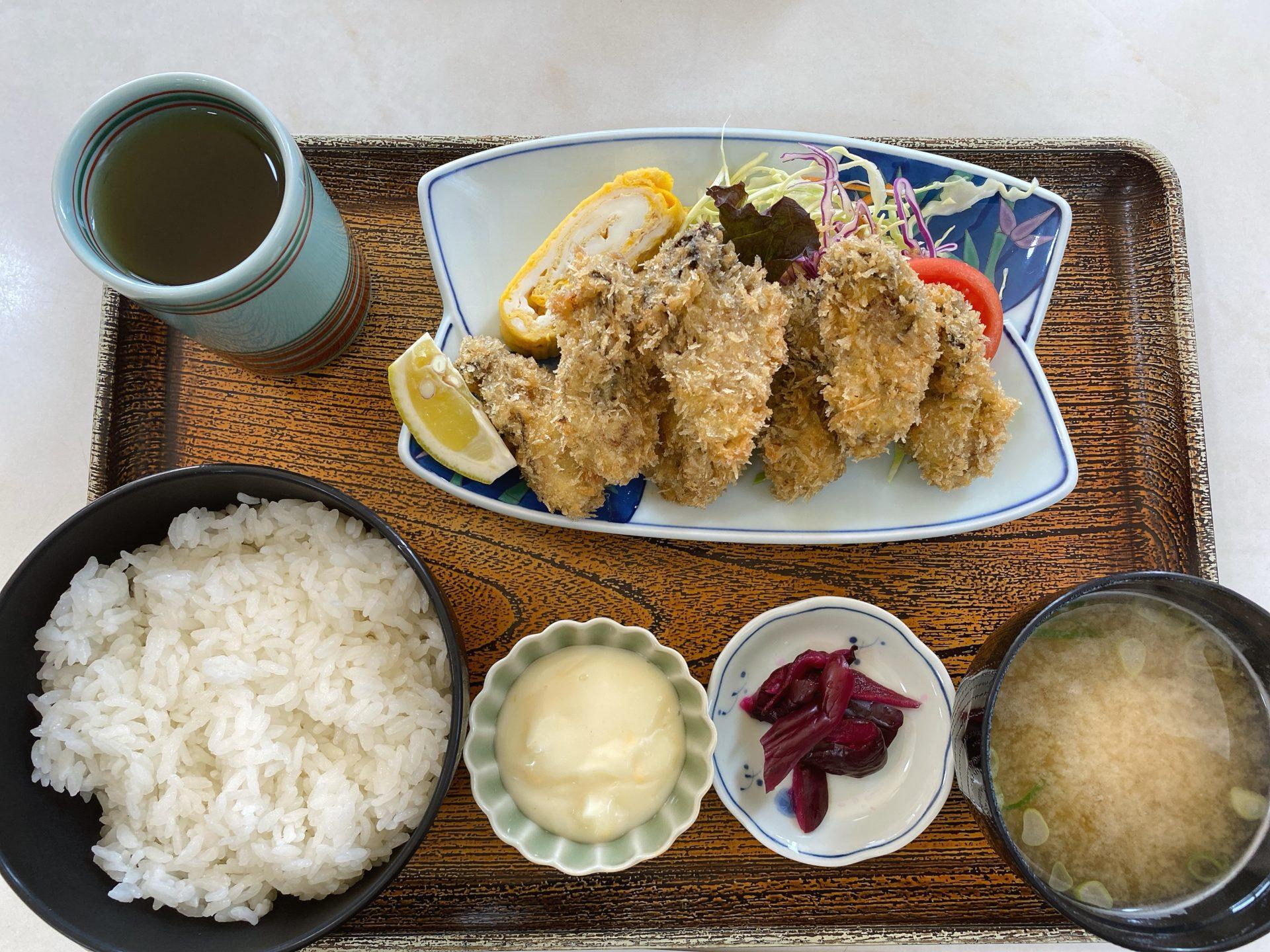 瀬戸内市牛窓 レストラン新月の季節限定カキフライ定食が驚きの690円!他のメニューもコスパ良く、ここは隠れた名店かも!?