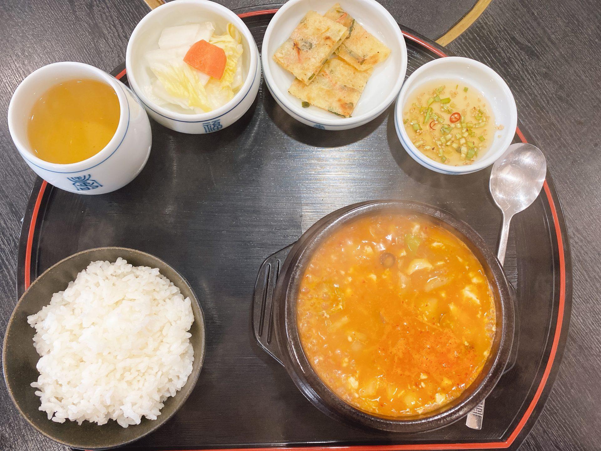 岡山ICから車で8分 韓国料理 佳牛味(COWMI カウミ)にて、スパイシーで熱々のスンドゥブチゲ定食が、冷えた体を芯から温める