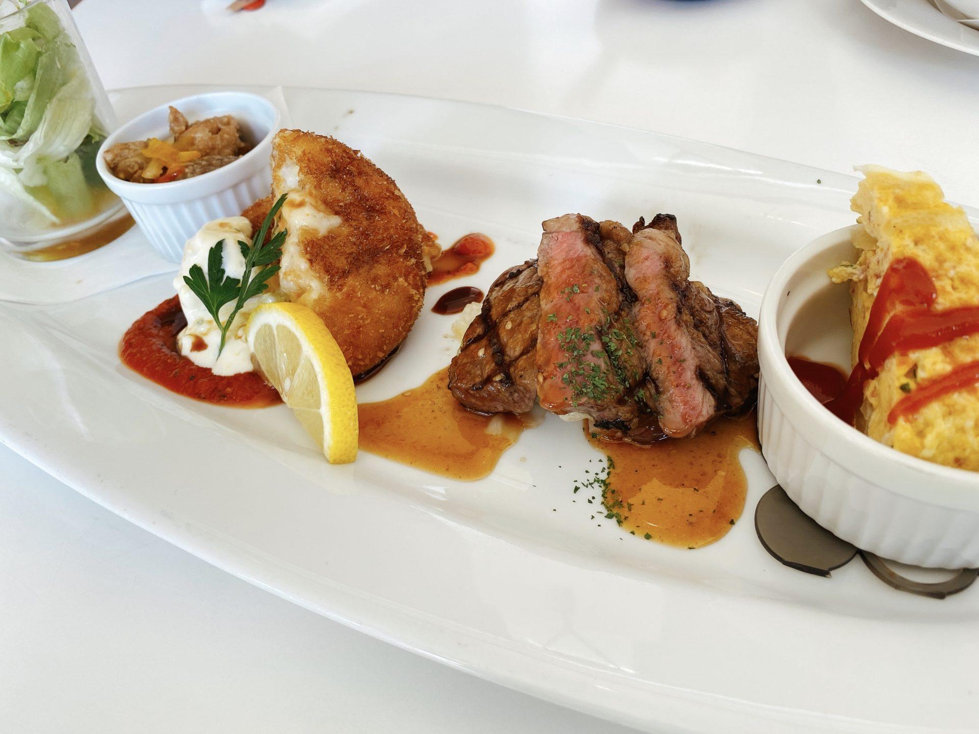 岡山市南区【Cafe Restaurant OLIVE(オリーブ)】にて初ランチ!よくばりOLIVEセットをオーダー!メインのハーフステーキが楽しみ!