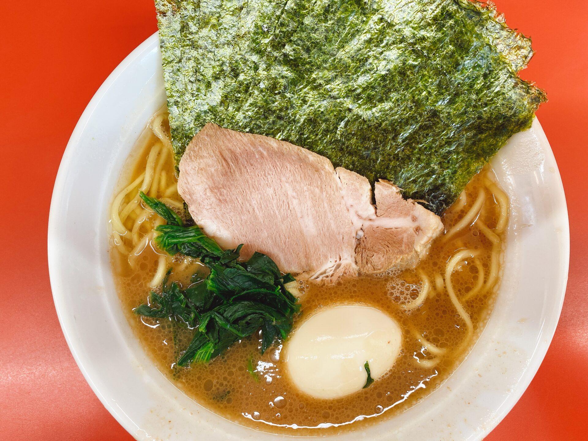 早島駅から車で5分【ラーメン成瀬家】開店前から行列の人気の家系ラーメン!濃厚な豚骨がクセになる!
