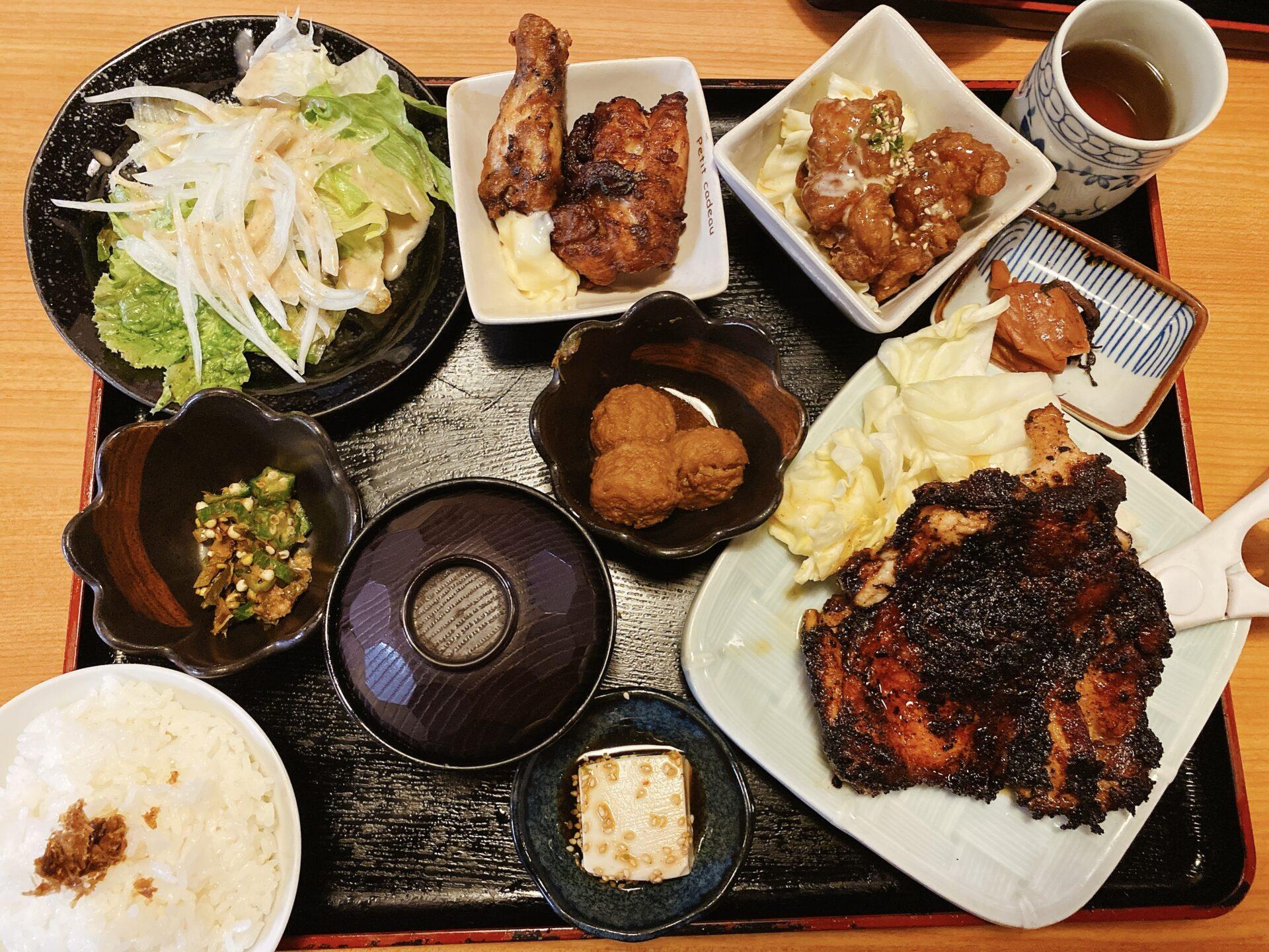 岡山市南区 居酒屋【とり福】デカ盛りの店か!?と驚きを隠せないコスパ最高のランチ!唐揚げや鶏料理がスゴイ事に・・・