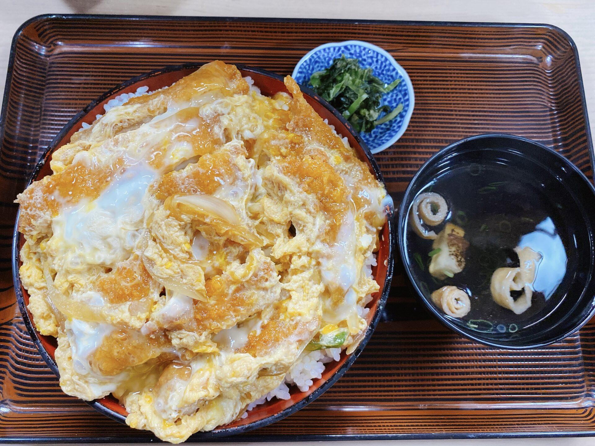 瀬戸駅から徒歩5分 輝寿司に注目!ランチも夕食もボリューミーでコスパのいい定食!!チキンカツ定食が人気ながらも選んだのは・・