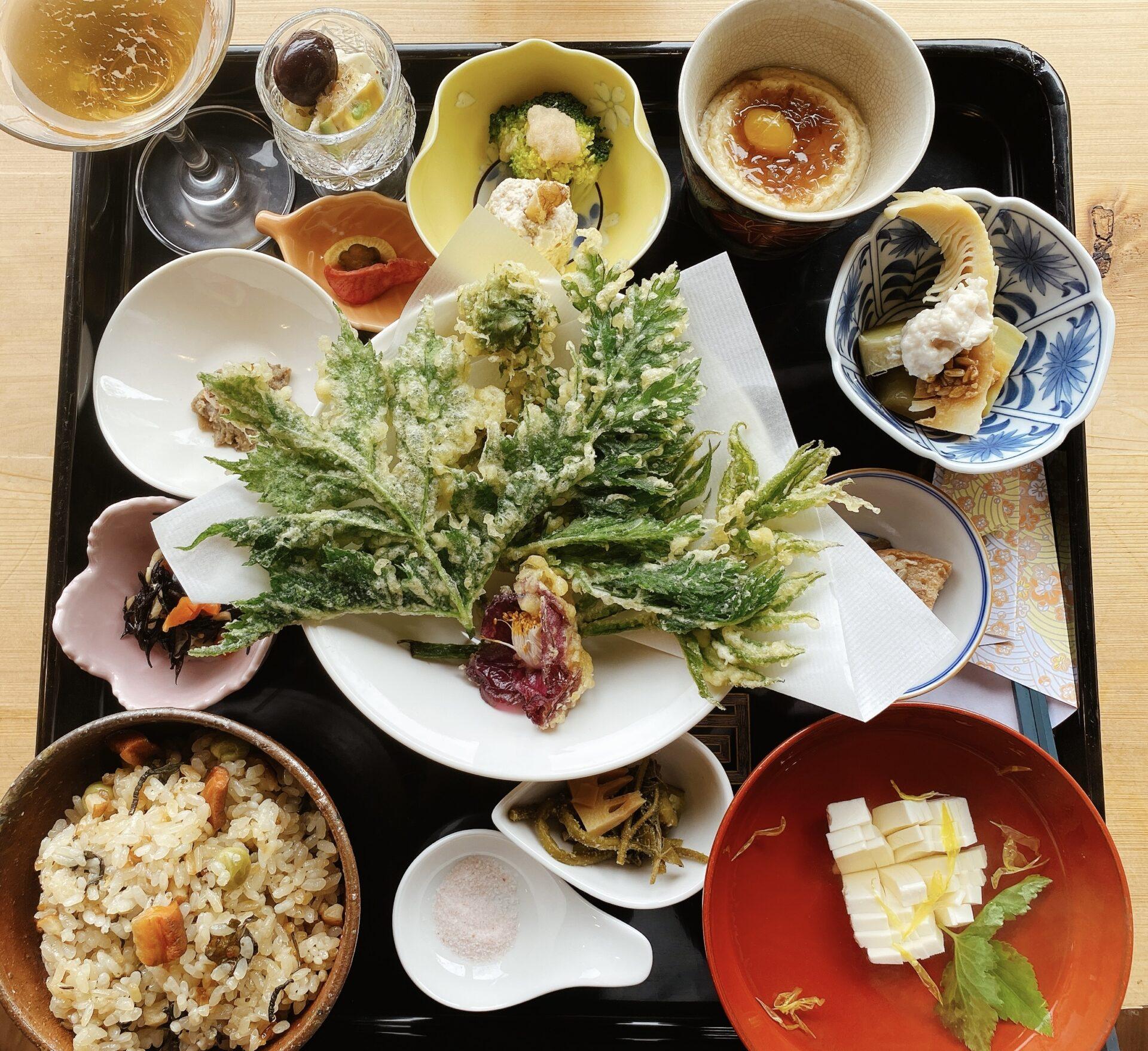 古民家カフェ 是里 赤磐の自然を体感しながら頂く素敵なランチ 「是こそ里なり旬の御膳」は10食限定!
