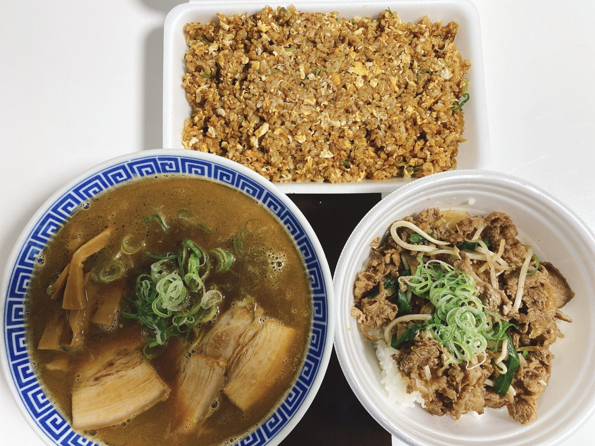 【岡山市中区のテイクアウト】拉麺食堂 一八(いっぱち)でラーメンとカルビ丼とチャーハンを持ち帰り!ヒルペコそのままで!