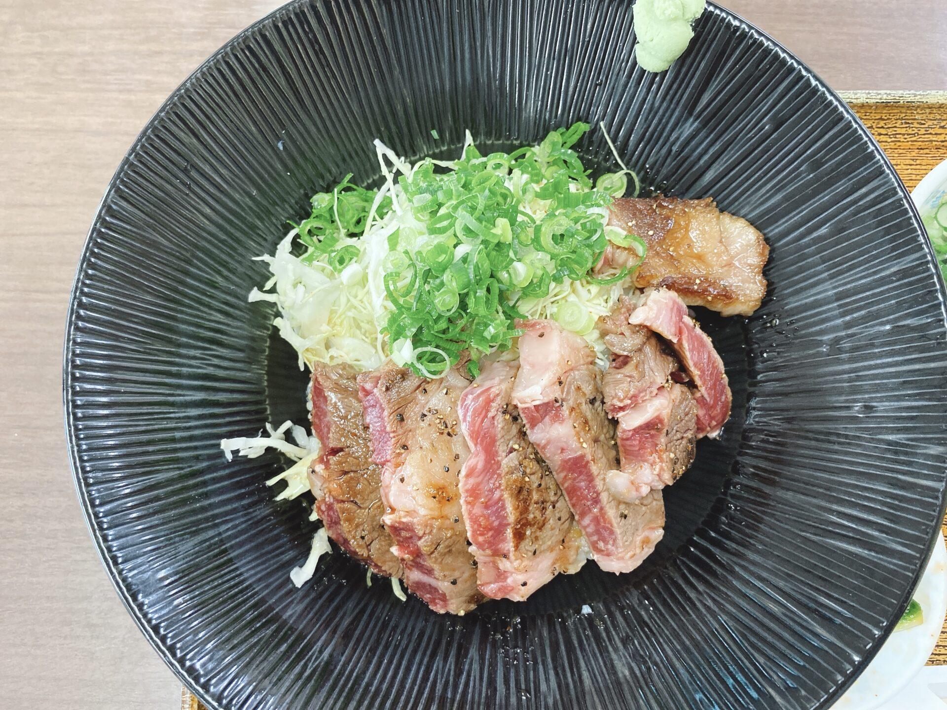 備前市の24時間営業の食堂【大阪屋】ランチタイムにロースステーキ丼!牛カルビ丼も美味しそう