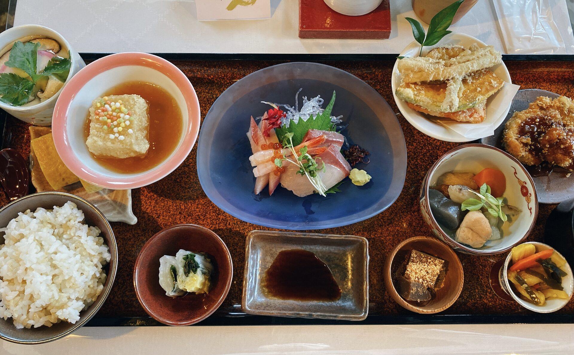 岡山市南区【c3e(シスリー)】土日限定オープンのカフェのランチが素敵すぎる!メニューは和と洋の2択から